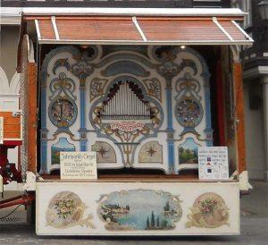 Klappnotenorgel von Gebrüder Bruder aus Waldkirch, historischer Jahrmarkt, Schausteller, Stuttgart, Killesberg
