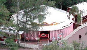 Veranstaltungszelt, Theater, Clown, Feste, exklusive Fahrgeschäfte, historischer Jahrmarkt, Rummel, Volksfest, Stuttgart, Killesberg
