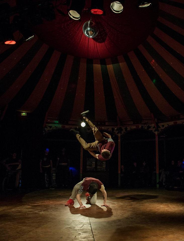 Achtung Straßentheater, Comedy, Akrobatik, Stunts, Entertainment, Stuttgart